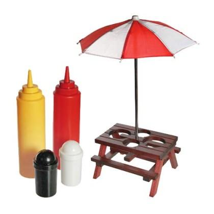 Set condimente sub formă de masă de picnic